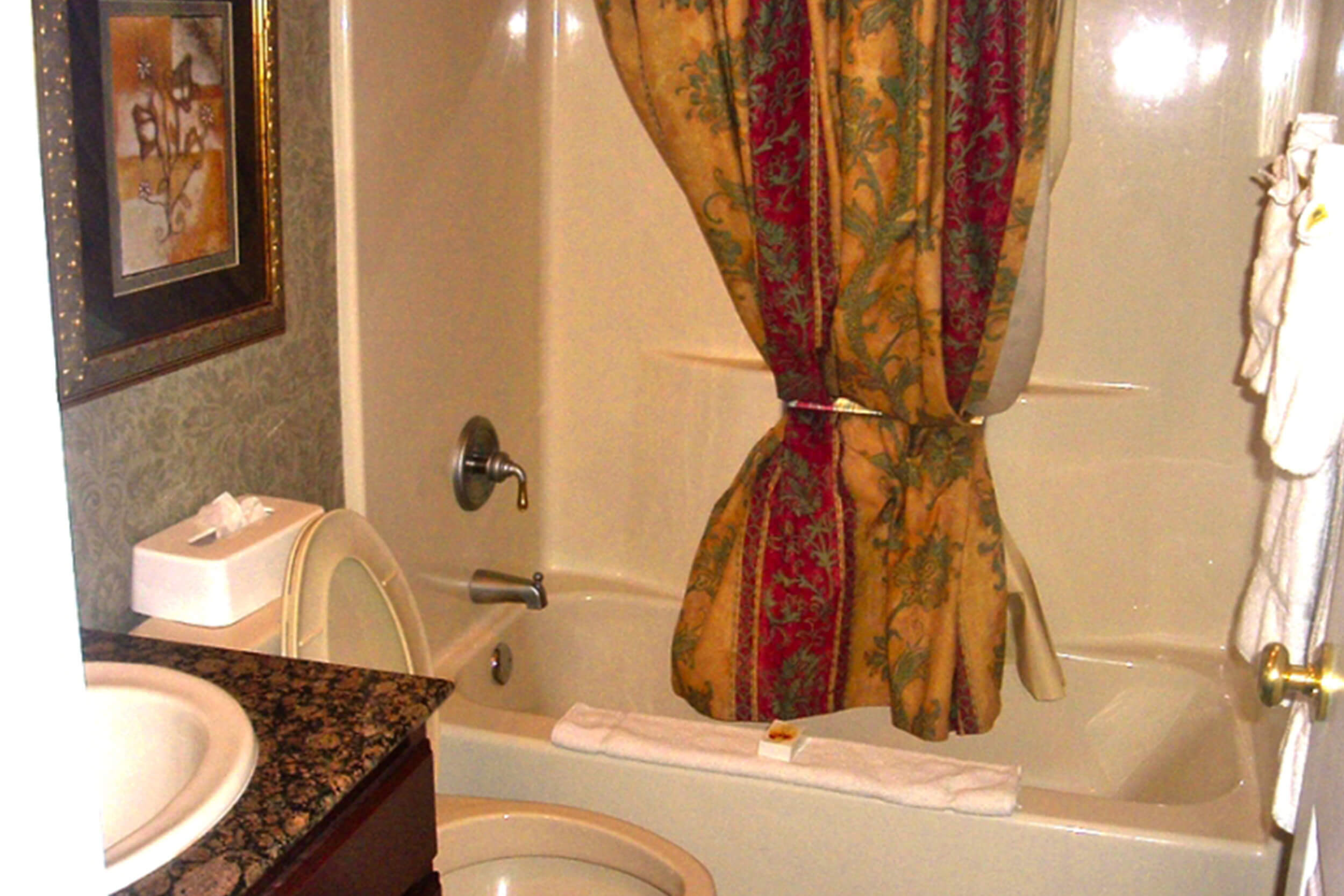 Westgate Tunica Resort one-bedroom villa full bathroom with shower/tub combination