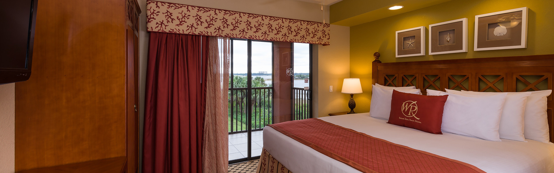 Luxury accommodations in 4 bedroom suites in Orlando near theme parks and attractions | Westgate Lakes Resort & Spa