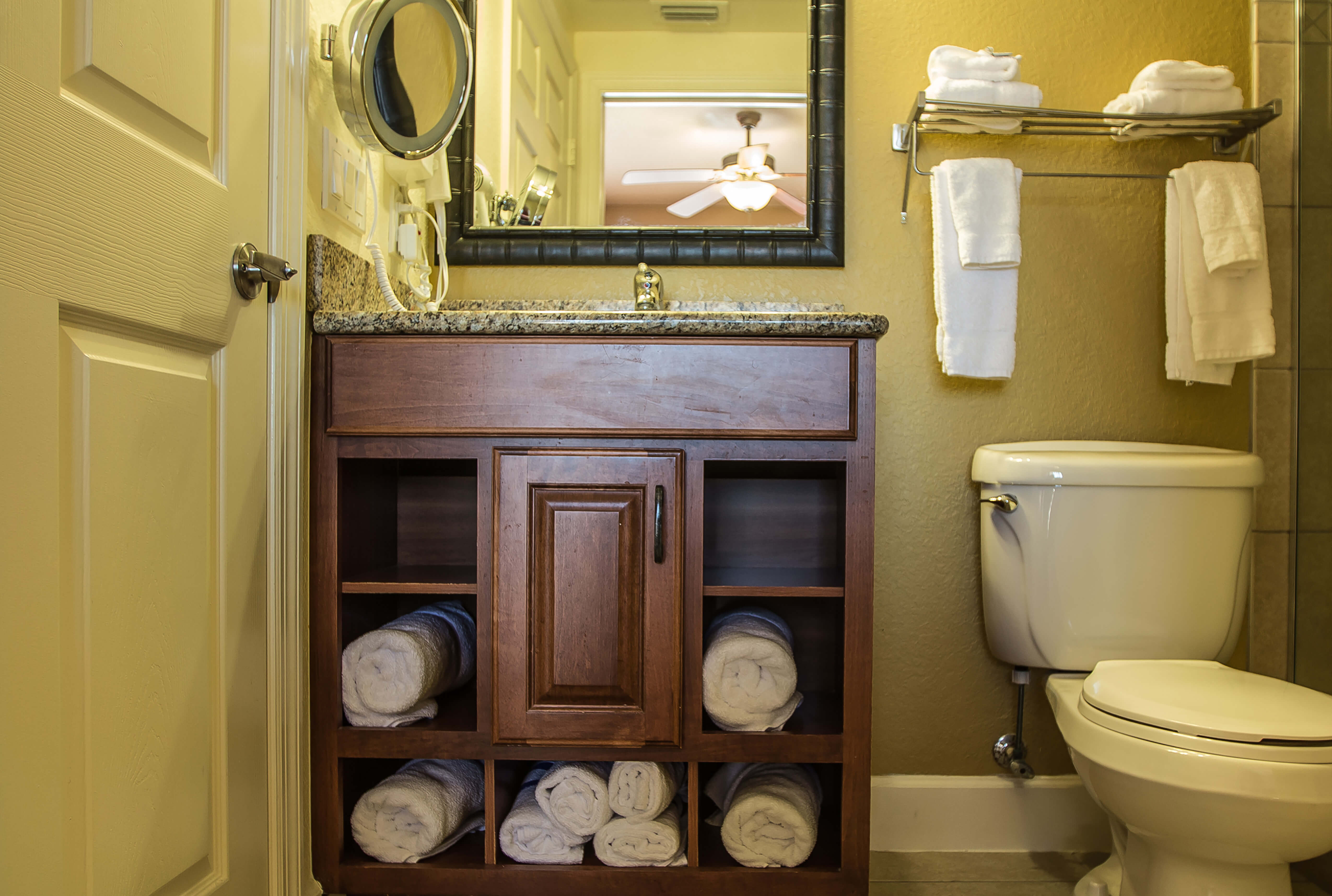Studio Villa | Bathroom | Westgate Lakes Resort & Spa | Orlando, FL | Westgate Resorts