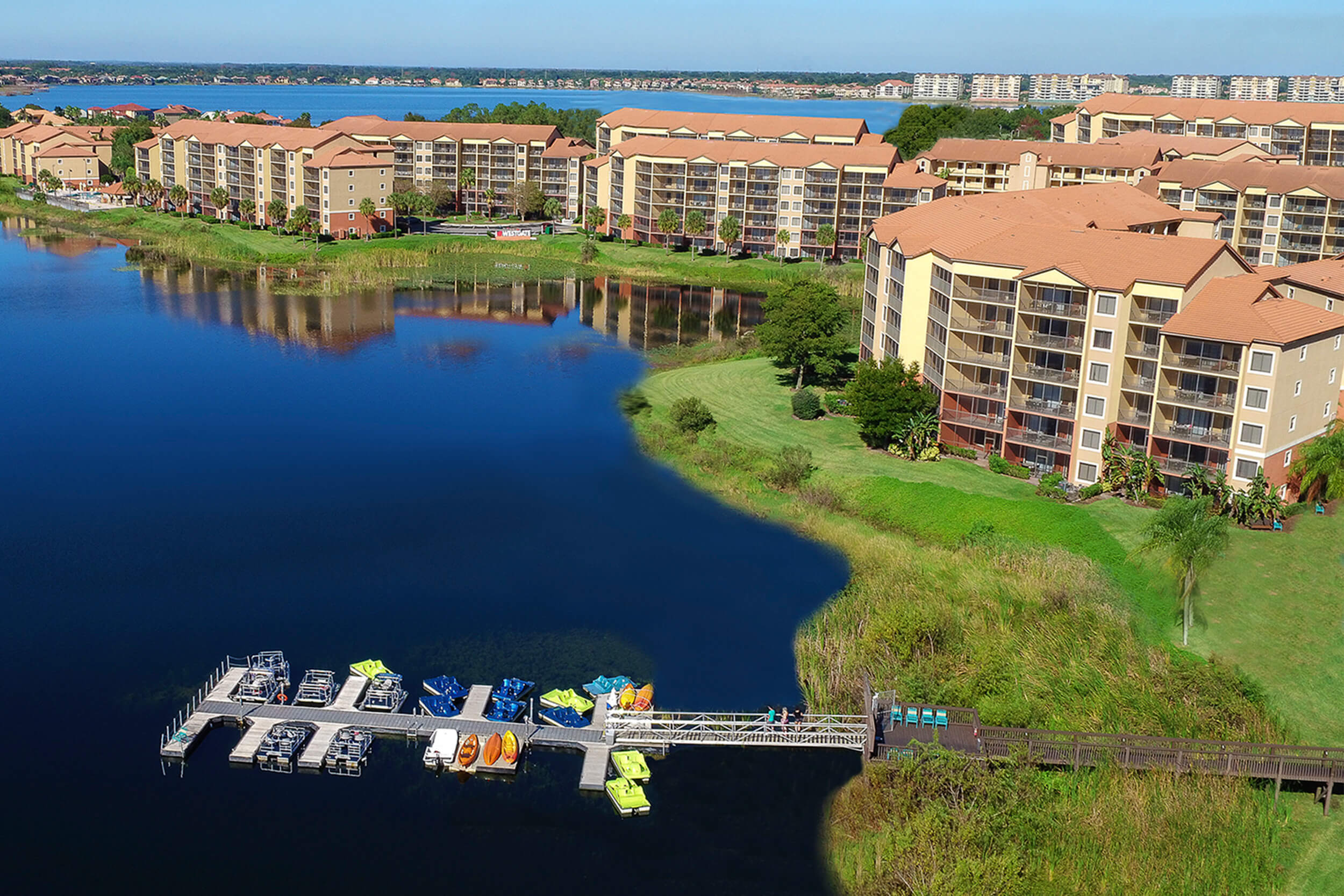 Enjoy a variety of amenities, like renting a kayak or paddle boat at our lake-front resort.
