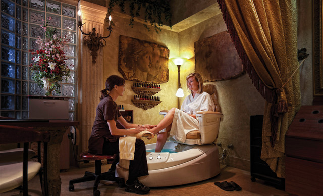 Woman getting pedicure | Westgate Lakes Resort & Spa | Orlando, FL | Westgate Resorts
