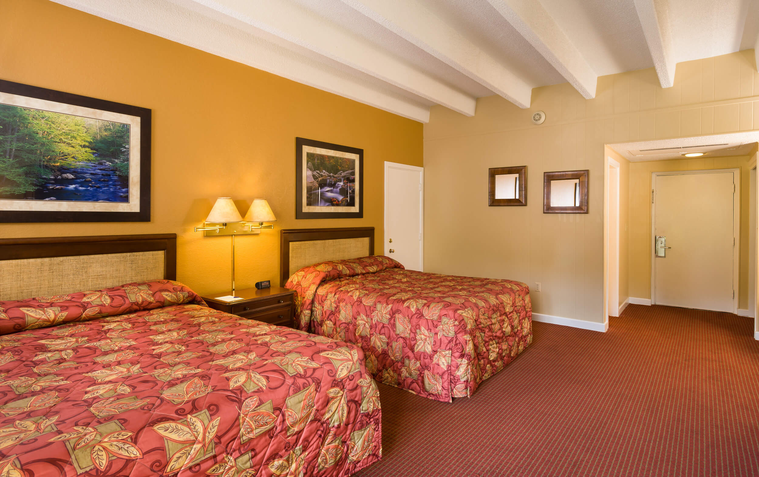 Standard Queen Room with Two Queen Beds | River Terrace Resort & Convention Center | Westgate Resorts