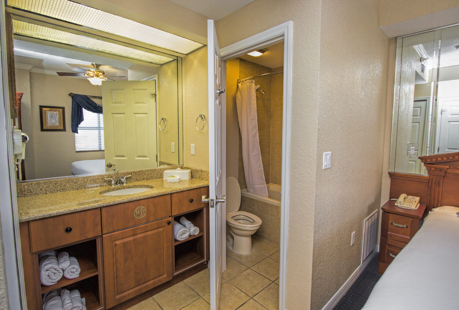 Orlando Hotel 2 Bedroom Suites Two Bedroom Villa Hotels By Universal Studios