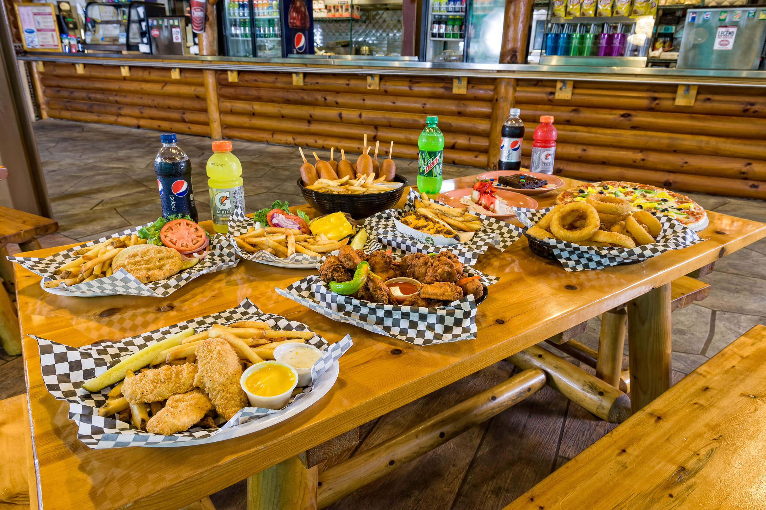 Feast at Roaring Fork Snack Bar all-American grill | Dining at Tennessee Resorts | Westgate Smoky Mountain Resort & Spa