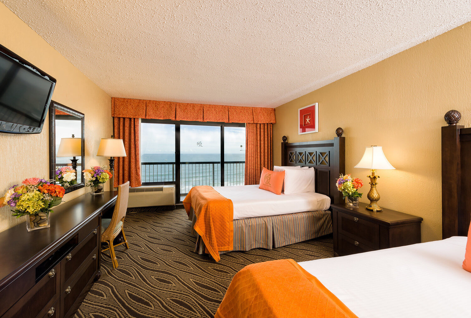 The Double Oceanfront Guestroom At Westgate Myrtle Beach Resort Offers An Intimate Setting With Room For Up To Four Guests