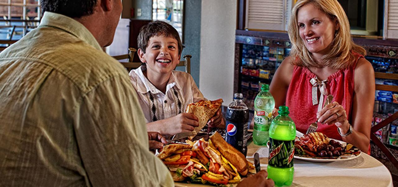 Family Dining at Palace Deli & Coffee Shop   Westgate Palace Resort   Orlando, FL   Westgate Resorts