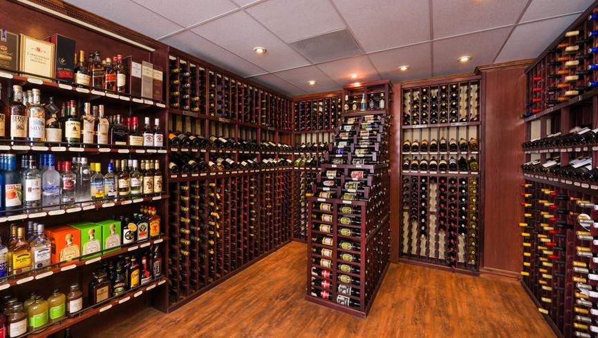 The Marketplace & Liquor Store Park City Utah   Westgate Park City Resort & Spa   Westgate Resorts