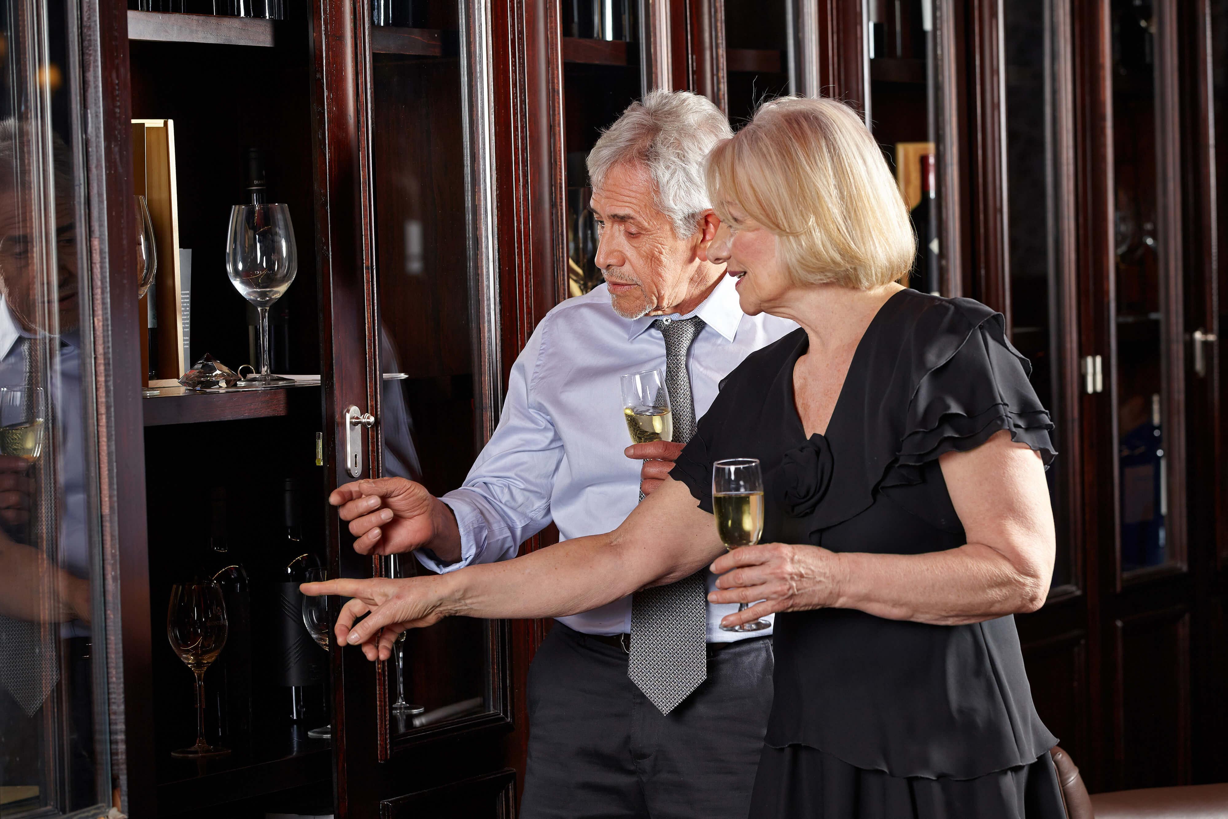 Art & Wine Tasting Team Building Event in Park City Utah | Park City Utah Resort & Spa | Westgate Resorts