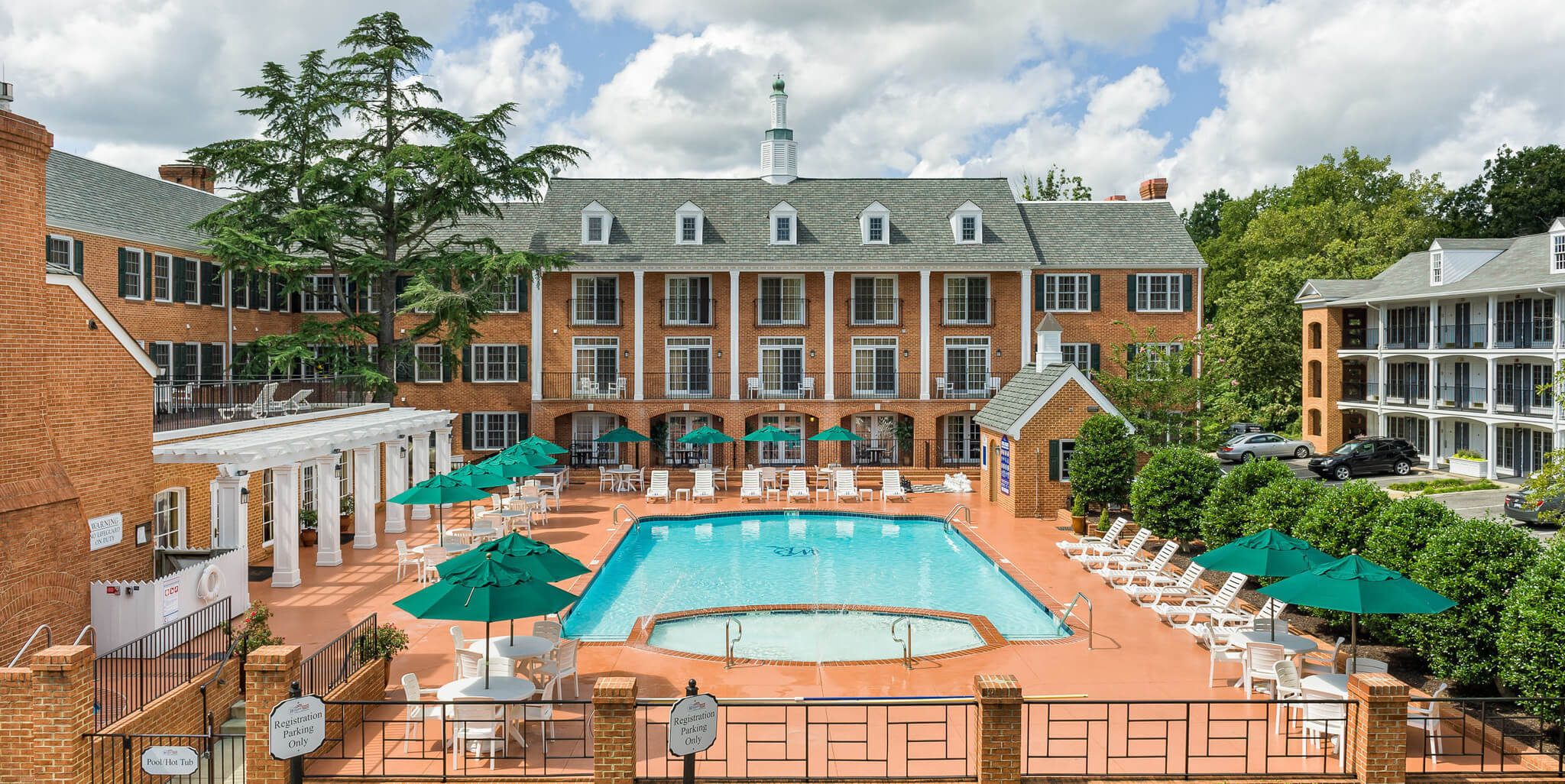 Exterior Of Colonial Style Resort With Heated Outdoor Pool Historic Williamsburg Westgate